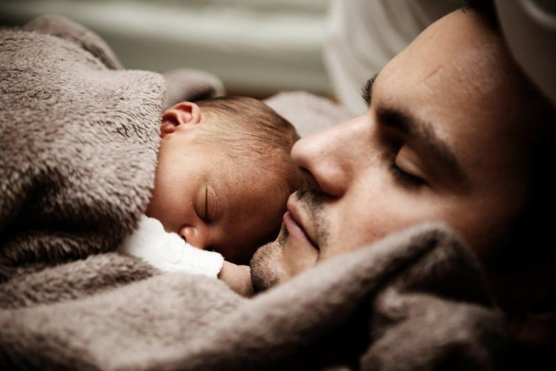 Accompagnement postnatal père enfant